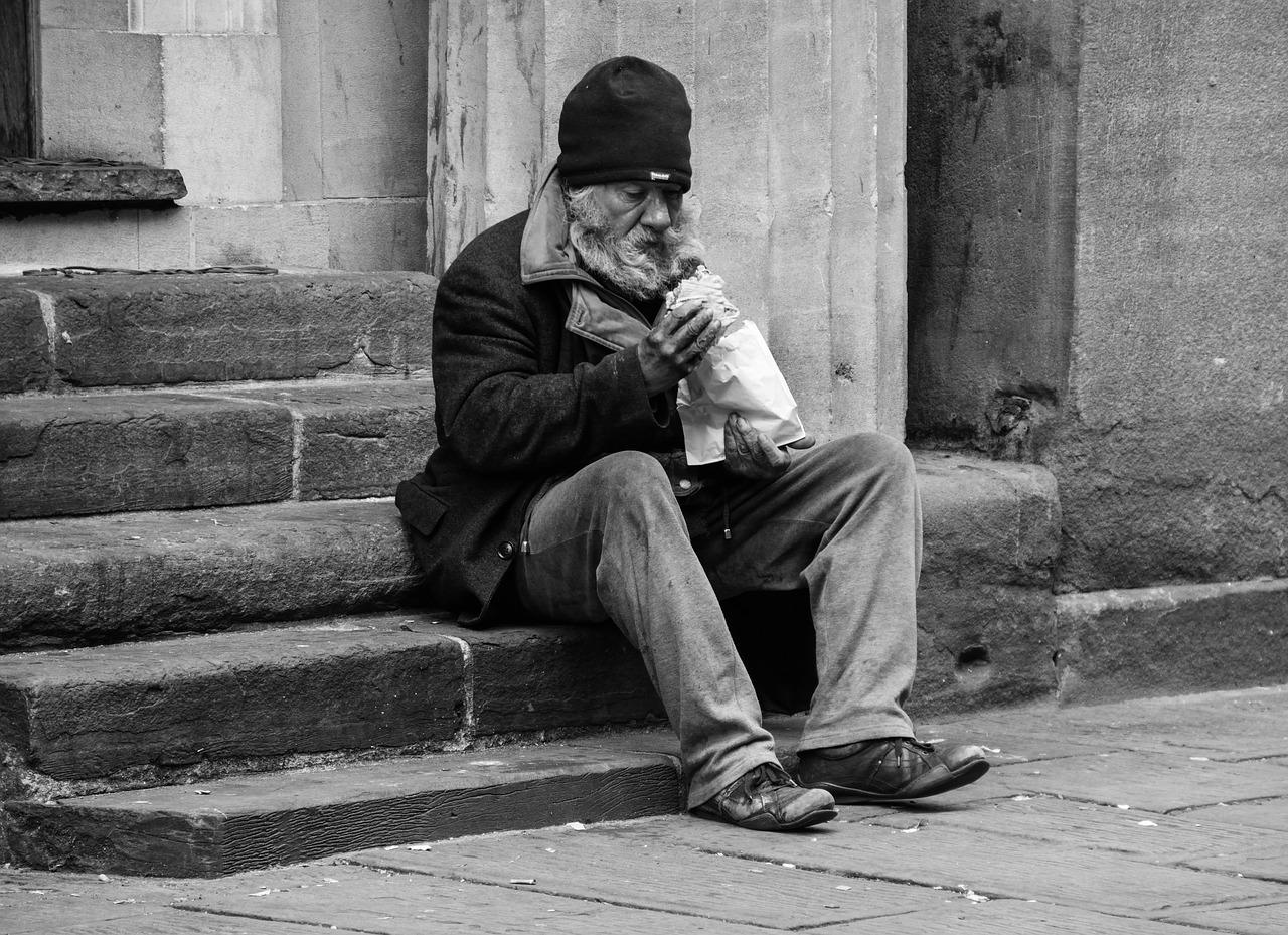 homeless 2532754 1280