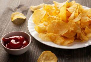kartofelnye chipsy s sousom