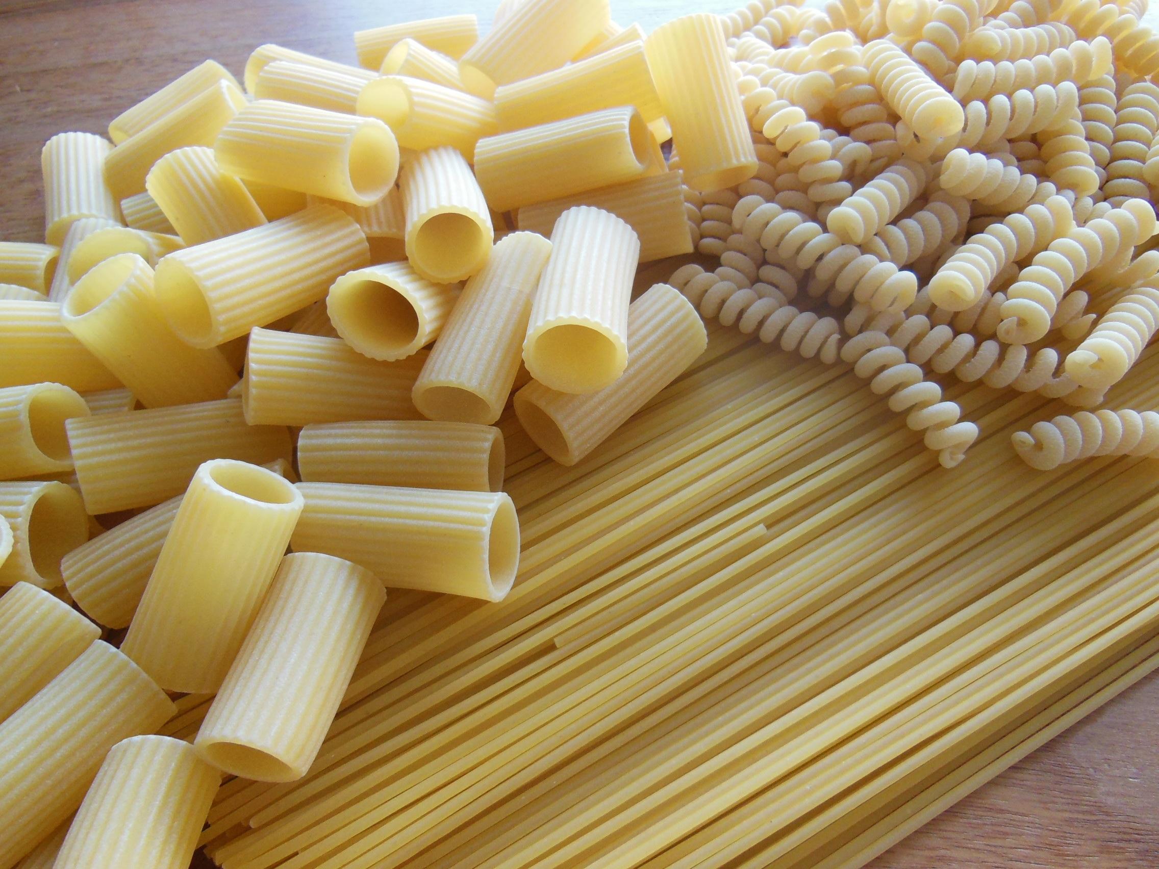 food produce italy cuisine pasta noodles penne raw spaghetti italian food fussili grass family 908590 1