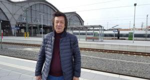 Р. Отарбаев-Фото